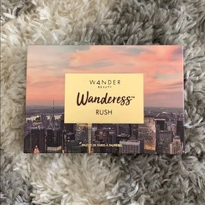 NWOT Wander Beauty Wanderess Rush